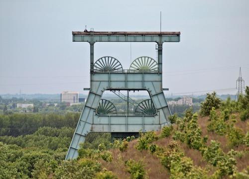 Panorama über einen Kohleförderturm im Ruhrgebiet